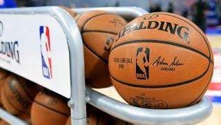 NBA dồn dập đón ca nhiễm mới COVID-19 trước ngày trở lại