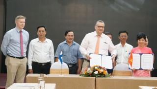Ký kết thỏa thuận tài trợ Dự án CCBCR