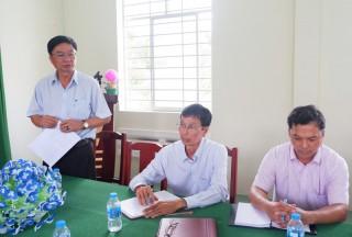 Bí thư Huyện ủy Lê Văn Khê làm việc với Trung tâm Giáo dục nghề nghiệp - Giáo dục thường xuyên huyện