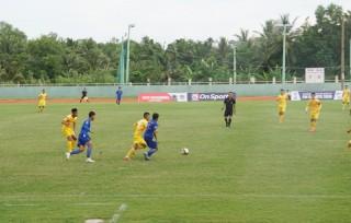 Vòng loại giải bóng đá hạng nhì Quốc gia trên sân Bến Tre