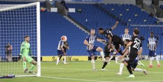 Sterling lập hat-trick, Man City lần thứ 3 thắng 5-0, Thầy trò Lampard nguy cơ bị đánh bật khỏi Top 4
