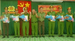 Thạnh Phú công bố quyết định điều động công an chính quy đảm nhiệm chức danh công an xã