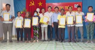 Tặng 36 căn nhà tình thương cho hộ nghèo Thạnh Phú
