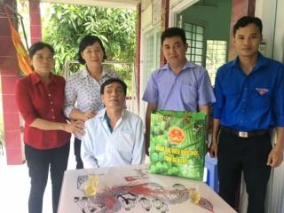 Lãnh đạo các huyện thăm gia đình chính sách