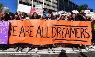 Tổng thống Mỹ tiếp tục tìm cách thu hẹp quy mô chương trình bảo hộ nhập cư