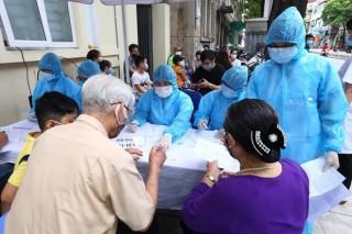 Việt Nam thêm 4 ca dương tính COVID-19