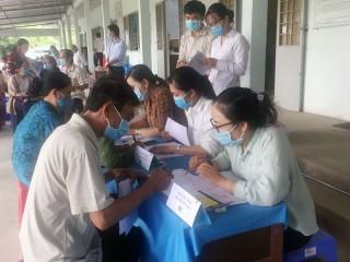 59 hộ dân ký nhận bảng áp giá bồi thường Khu công nghiệp Phú Thuận