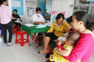 Chủ động tiêm ngừa vắc-xin để phòng bệnh