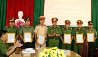 TP. Bến Tre và Thạnh Phú trao quyết định điều động Công an chính quy về xã