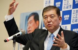 Cựu Bộ trưởng Quốc phòng Ishiba là ứng viên số một thay thế ông Abe