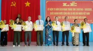 Mỏ Cày Nam họp mặt kỷ niệm 75 năm Cách mạng Tháng Tám, Quốc khánh 2-9