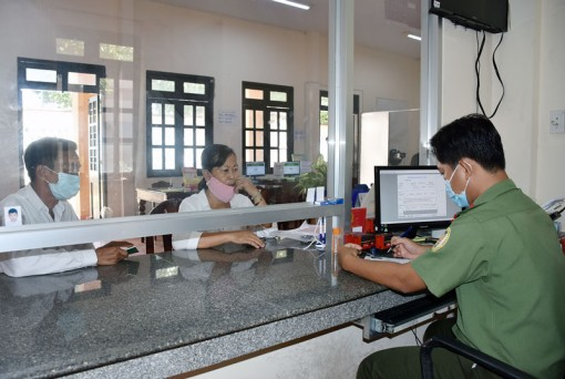 Cải cách thủ tục hành chính trong cấp hộ chiếu cho trẻ em
