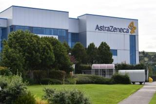 Bộ trưởng Y tế Anh trấn an vụ vaccine AstraZeneca dừng thử nghiệm lâm sàng
