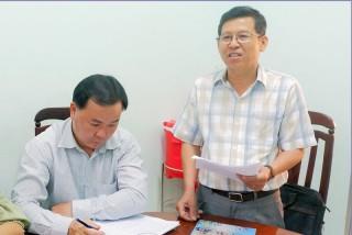 Thường trực Huyện ủy Thạnh Phú  làm việc với Đảng ủy thị trấn