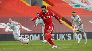 Salah lập hat-trick, Liverpool thắng nghẹt thở tân binh Leeds
