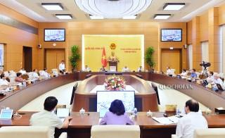Ủy ban Thường vụ Quốc hội cho ý kiến một số vấn đề về việc chuẩn bị kỳ họp thứ 10 Quốc hội khóa XIV