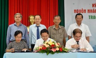 Ký kết phối hợp thực hiện đề án chăm sóc và hỗ trợ nguồn nhân lực Bến Tre