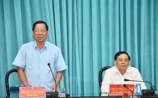 Kiểm tra tiến độ chuẩn bị trưng bày và trang trí tại Đại hội XI Đảng bộ tỉnh, nhiệm kỳ 2020 - 2025