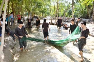 Thành phố xứ Dừa thu hút khách du lịch
