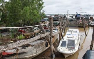 Đẩy mạnh đấu tranh với nạn khai thác cát sông trái phép