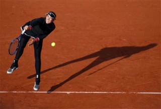 Muguruza, Ostapenko cùng vào vòng ba Roland Garros 2020