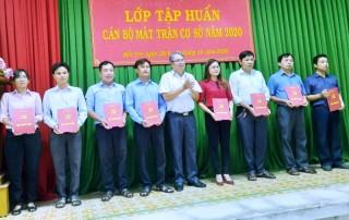Bế giảng lớp tập huấn công tác Mặt trận năm 2020