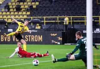 Haaland và Reyna bừng sáng, Dortmund ngắt mạch thua