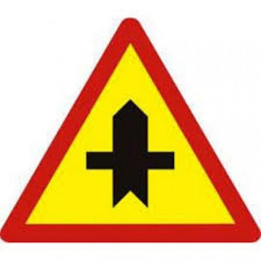 Đặt biển báo ở các điểm giao nhau trên tuyến tránh quốc lộ 60