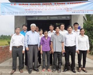 Tổ chức Global Vision trao nhà tình thương tại xã Tam Phước