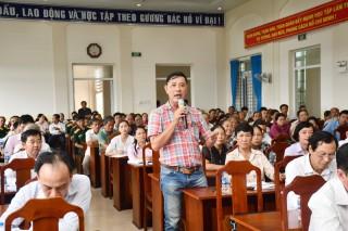 Đại biểu Quốc hội tiếp xúc cử tri xã Sơn Đông