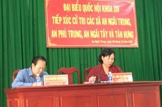 Đại biểu Quốc hội tiếp xúc cử tri xã Sơn Định, Vĩnh Bình, Sơn Đông