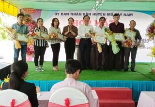 Mỏ Cày Nam họp mặt Ngày Doanh nhân Việt Nam