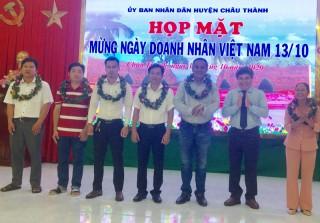 Họp mặt doanh nghiệp nhân kỷ niệm Ngày Doanh nhân Việt Nam
