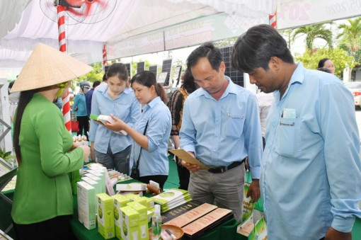 Hỗ trợ xúc tiến thương mại, tìm kiếm thị trường