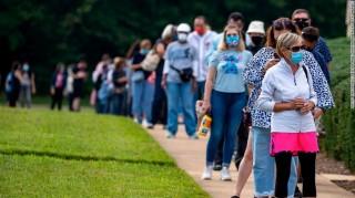 Gần 30 triệu người ở Mỹ đã đi bỏ phiếu sớm