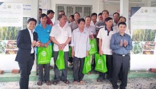 Nông dân ĐBSCL nhận Gói hỗ trợ Canh tác thuận lợi nhằm ứng phó hạn mặn và Covid-19
