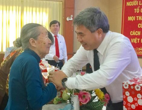 Châu Thành họp mặt kỷ niệm ngày Phụ nữ Việt Nam 20-10