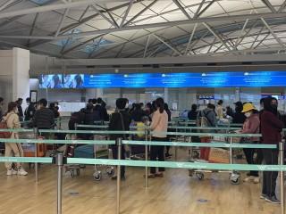 Hai chuyến bay đưa 450 công dân Việt Nam từ Hàn Quốc về nước an toàn