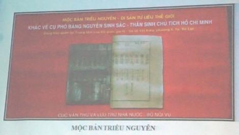 Chuẩn bị trưng bày hiện vật tại Khu lưu niệm Nguyễn Sinh Sắc
