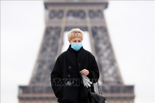Thế giới vượt 43 triệu ca bệnh; Cảnh báo quá tải hệ thống y tế