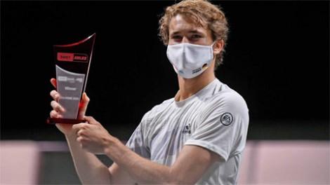Alexander Zverev đoạt cú đúp danh hiệu ở Cologne