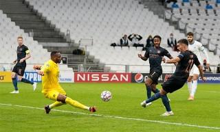 Dạo chơi trên đất Pháp, Man City giành trọn 3 điểm