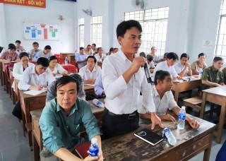 Bí thư Huyện ủy Mỏ Cày Nam đối thoại trực tiếp với nhân dân xã Bình Khánh