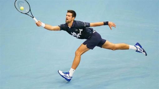 Djokovic thoát hiểm vào tứ kết Vienna Mở rộng 2020
