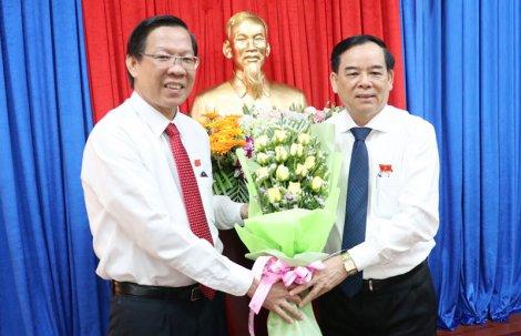 Ông Trần Ngọc Tam được bầu giữ chức Chủ tịch UBND tỉnh Bến Tre, nhiệm kỳ 2016 - 2021