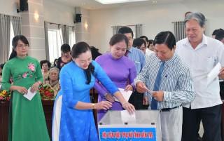 Trên 100 tổ chức, cá nhân ủng hộ đồng bào miền Trung bị lũ lụt