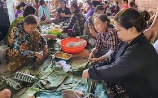 Công đoàn Viên chức tỉnh vận động tự nguyện hỗ trợ đồng bào miền Trung