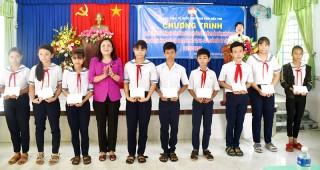 Tổ chức chương trình chào mừng thành công Đại hội Đảng bộ tỉnh