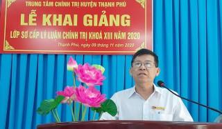 Thạnh Phú khai giảng lớp sơ cấp lý luận chính trị