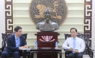 Phó chủ tịch UBND tỉnh Nguyễn Trúc Sơn tiếp Ngài Tham tán Thương mại Áo
